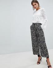Y.A.S.   Брюки с широкими штанинами и цветочным принтом Y.A.S Sunia   Clouty