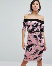 Vesper | Платье-футляр с открытыми плечами и принтом Vesper - Розовый | Clouty