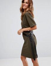 ASOS | Платье-футболка с D-образной пряжкой ASOS - Зеленый | Clouty