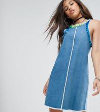 Jaded London | Джинсовое платье мини с отделкой помпонами Jaded London Tall - Синий | Clouty