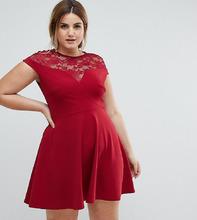 Club L | Короткое приталенное платье с кружевной вставкой Club L Plus - Красный | Clouty