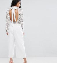ASOS | Кружевной комбинезон с открытой спиной и юбкой-шортами ASOS PETITE Pre | Clouty