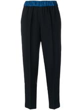 Forte Forte | укороченные плиссированные брюки с контрастным поясом Forte Forte | Clouty
